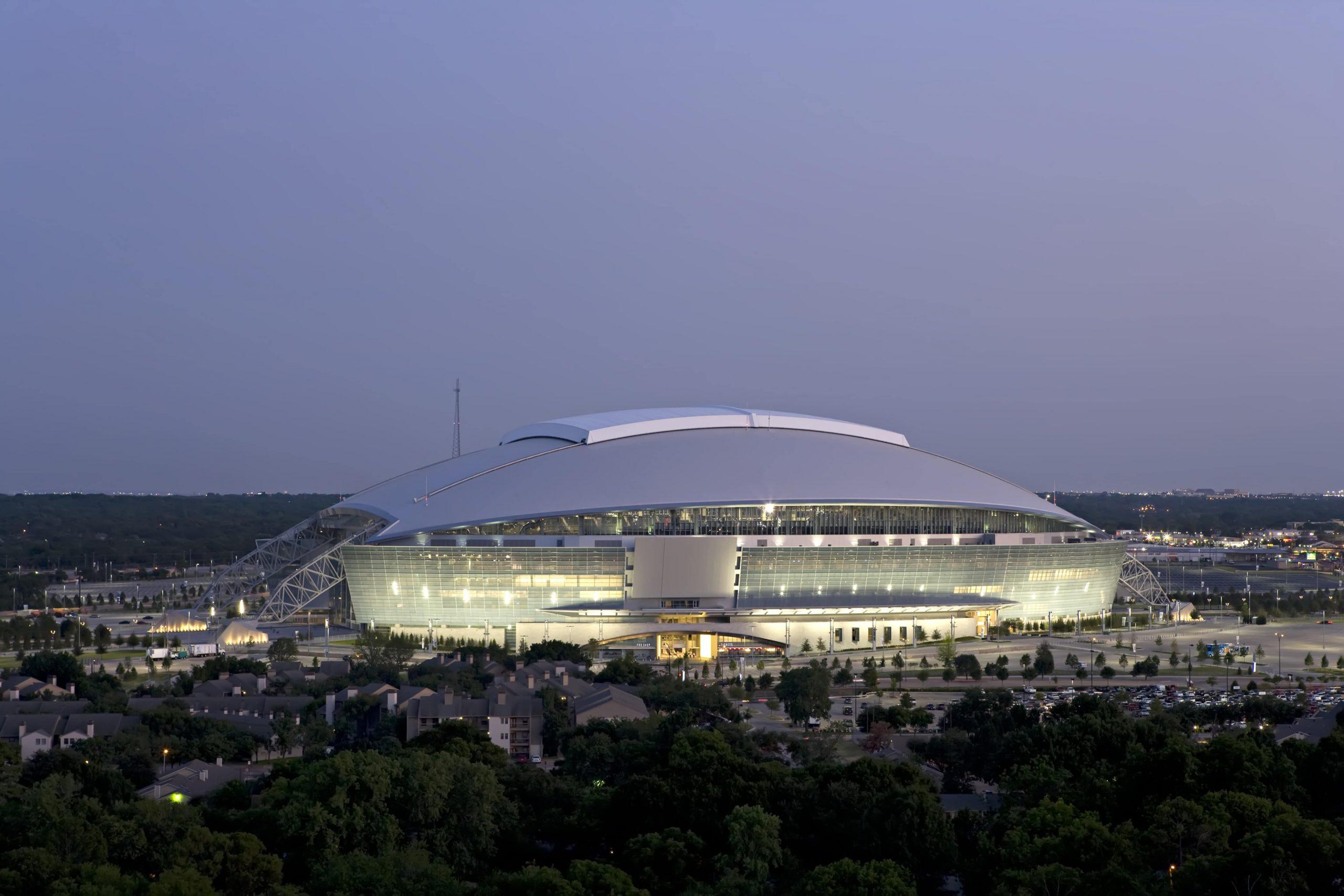 Cowboys Stadium at Dusk-min